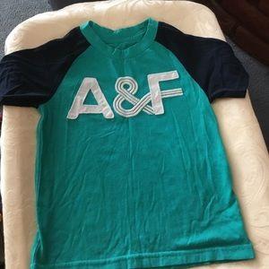 Abercrombie Kids Boys Short Sleeve Shirt. Size 3/4
